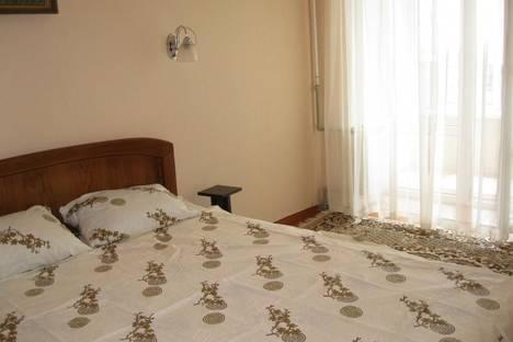 Сдается 2-комнатная квартира посуточно в Ильичёвске, Парковая, 20.