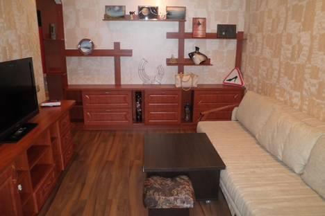 Сдается 2-комнатная квартира посуточно в Алуште, Ленина 30.