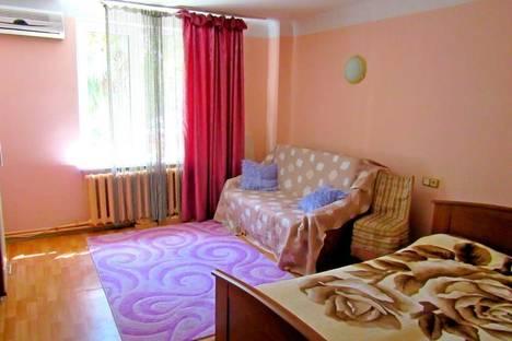 Сдается 1-комнатная квартира посуточно, ул. Пальмиро Тольятти, 3.