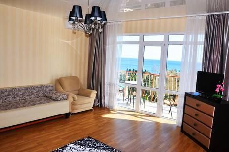 Сдается 1-комнатная квартира посуточно в Алуште, Энгельса, 10.