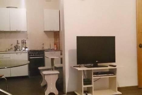 Сдается 1-комнатная квартира посуточно в Железногорске, ул. Маяковского, д. 22.