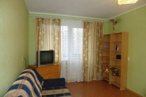 Сдается 1-комнатная квартира посуточнов Кургане, Володарского 38.