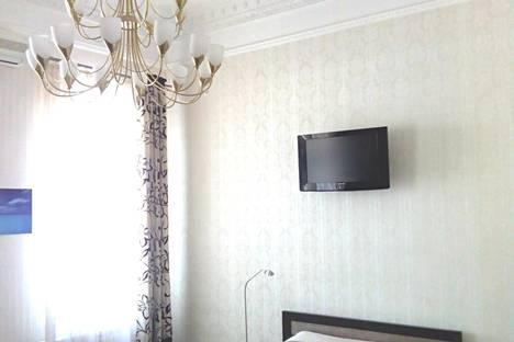 Сдается 1-комнатная квартира посуточно в Ялте, наб.Ленина 13.