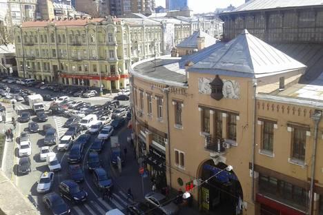Сдается 4-комнатная квартира посуточнов Киеве, Крещатик 29.