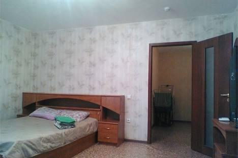 Сдается 2-комнатная квартира посуточнов Омске, Карла Маркса 18/1.