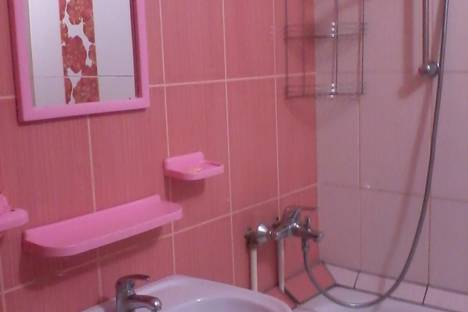 Сдается 2-комнатная квартира посуточнов Приморском, Старшинова 21.