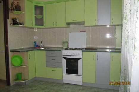 Сдается 3-комнатная квартира посуточно в Феодосии, ул.Володарского 36.