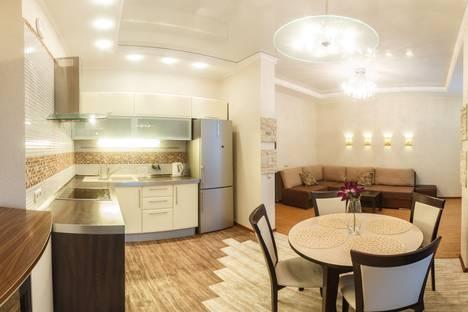 Сдается 2-комнатная квартира посуточно, Меридианная 4.