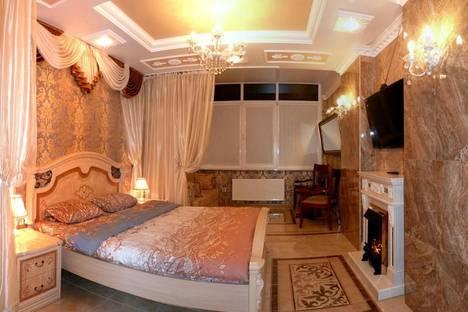 Сдается 1-комнатная квартира посуточно, Сенявина 5.