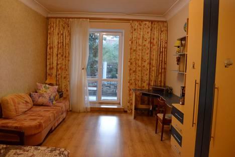 Сдается 3-комнатная квартира посуточно в Севастополе, Любимовка, ул. Федоровская 29.