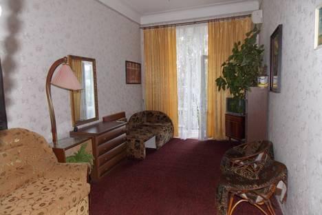 Сдается 1-комнатная квартира посуточно в Феодосии, Назукина 1.