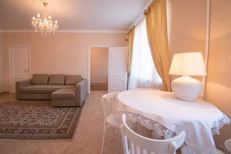 Сдается 2-комнатная квартира посуточно в Казани, Университетская ул., 5/37.