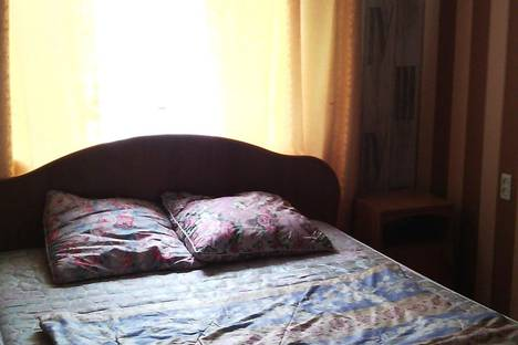 Сдается 2-комнатная квартира посуточно в Миассе, 8Марта,120.