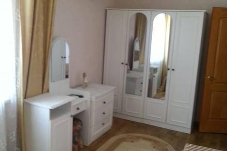 Сдается 2-комнатная квартира посуточно в Судаке, ул. Бирюзова д.8 кв.5.