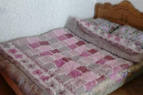 Сдается 1-комнатная квартира посуточно в Миассе, ул. Колесова, 7.