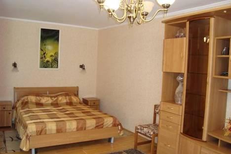 Сдается 1-комнатная квартира посуточно в Сочи, ул. Островского, 35/11.