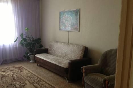 Сдается 3-комнатная квартира посуточнов Чебоксарах, Привокзальная 12.