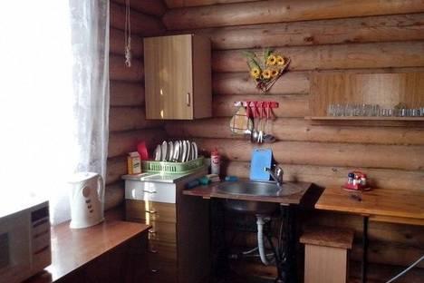 Сдается коттедж посуточно в Яровом, ул. Солнечная, 19.