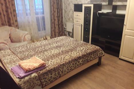 Сдается 2-комнатная квартира посуточно, ул. Нефтяников, 87.