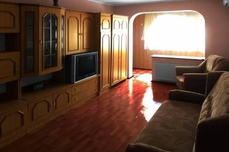 Сдается 1-комнатная квартира посуточно, ул. Космонавтов, 18.