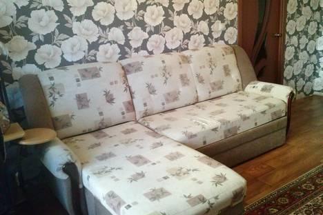 Сдается 2-комнатная квартира посуточно в Новомосковске, ул. Генерала Белова, 13а.