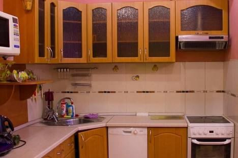 Сдается 1-комнатная квартира посуточнов Нягани, 1 микрорайон, дом 3.