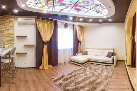 Сдается 2-комнатная квартира посуточнов Казани, ул. Адоратского, 3А.