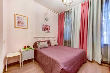 Сдается 1-комнатная квартира посуточнов Санкт-Петербурге, Социалистическая ул., 13.
