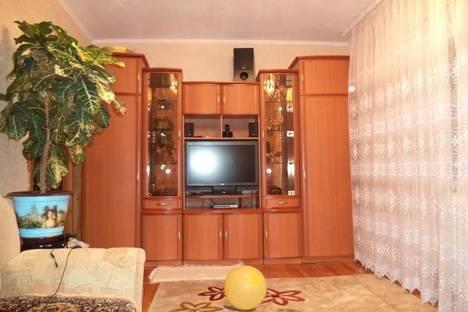 Сдается 2-комнатная квартира посуточнов Небуге, ул. Центральная, 1.
