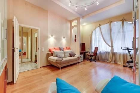 Сдается 3-комнатная квартира посуточнов Санкт-Петербурге, площадь Восстания 42.