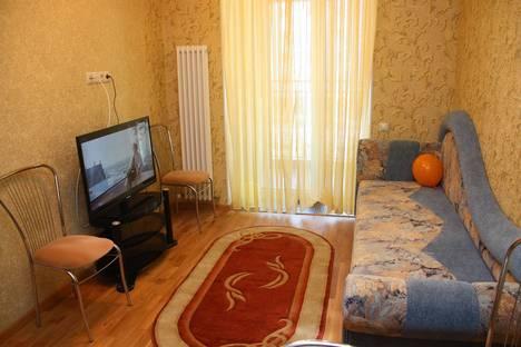 Сдается 2-комнатная квартира посуточно в Новосибирске, ул. Декабристов, 41.