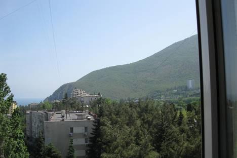 Сдается 2-комнатная квартира посуточно в Партените, Солнечная,14.