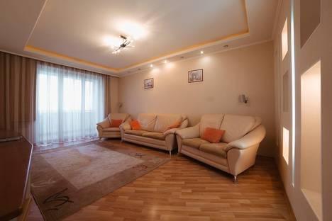 Сдается 3-комнатная квартира посуточно в Челябинске, Проспект Ленина 68а.