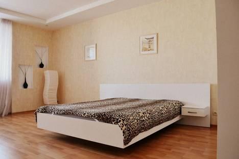 Сдается 1-комнатная квартира посуточнов Казани, Адоратского,3.