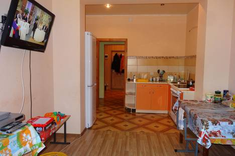 Сдается 2-комнатная квартира посуточнов Сочи, ул. Бамбуковая, 42А.