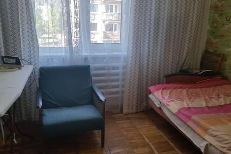 Сдается 3-комнатная квартира посуточно, Квартал А, 28.