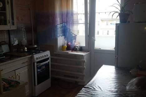 Сдается 2-комнатная квартира посуточно, квартал А, 15.