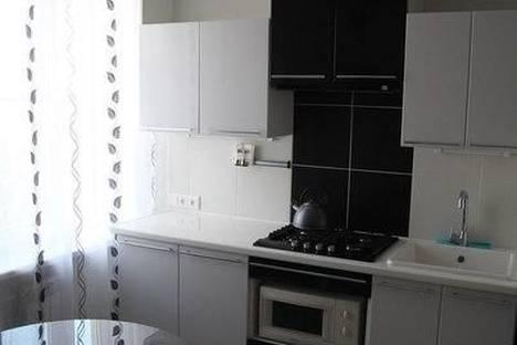 Сдается 2-комнатная квартира посуточно в Петрозаводске, ул. Боровая,  10Б.