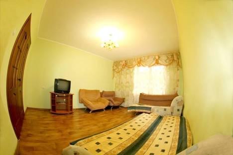 Сдается 2-комнатная квартира посуточно в Чите, ул. Анохина, 93.