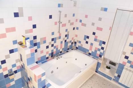 Сдается 1-комнатная квартира посуточнов Гатчине, УРИЦКОГО 19.