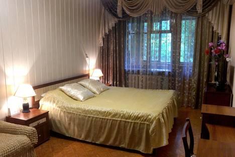 Сдается 2-комнатная квартира посуточно в Таганроге, ул. Дзержинского, д. 192.