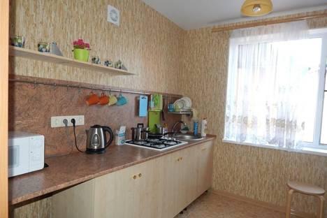 Сдается 2-комнатная квартира посуточно в Новороссийске, ул. Чехова, 41.