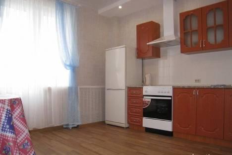 Сдается 1-комнатная квартира посуточнов Кирове, Энгельса 82/1.