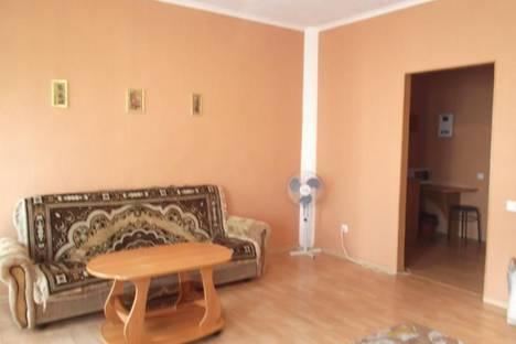 Сдается 1-комнатная квартира посуточнов Тюмени, ул. 50 лет ВЛКСМ, д. 15.