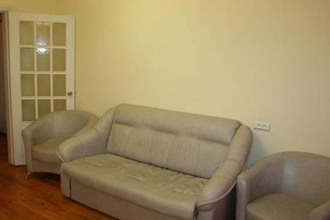 Сдается 1-комнатная квартира посуточнов Тюмени, ул. Орджоникидзе, д. 7.