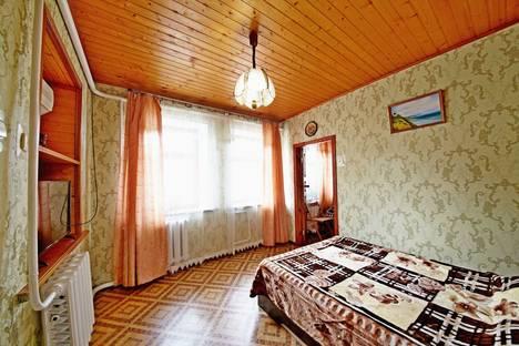 Сдается 2-комнатная квартира посуточнов Витязеве, ул. Самбурова, 23/2.