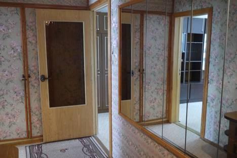 Сдается 3-комнатная квартира посуточнов Санкт-Петербурге, проспект Пятилеток 17\2.