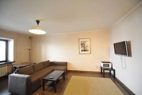 Сдается 2-комнатная квартира посуточнов Тюмени, Мельничная, 26.
