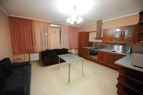 Сдается 2-комнатная квартира посуточно в Тюмени, 50 лет Октября, 1а.