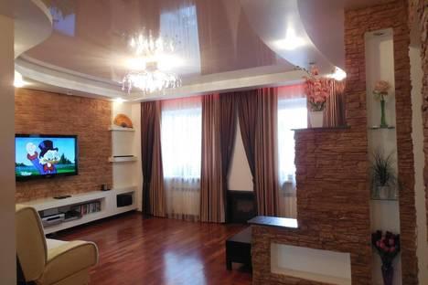 Сдается 2-комнатная квартира посуточно в Новосибирске, ул. Державина,14.